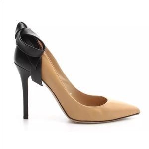 Sexy VALENTINO Pointy Beige/Black Bow Shoes💝💝💝